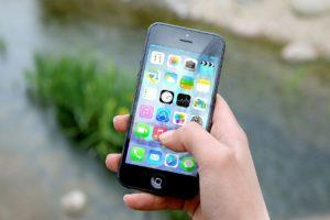 iPhone Popular in China Despite High Price